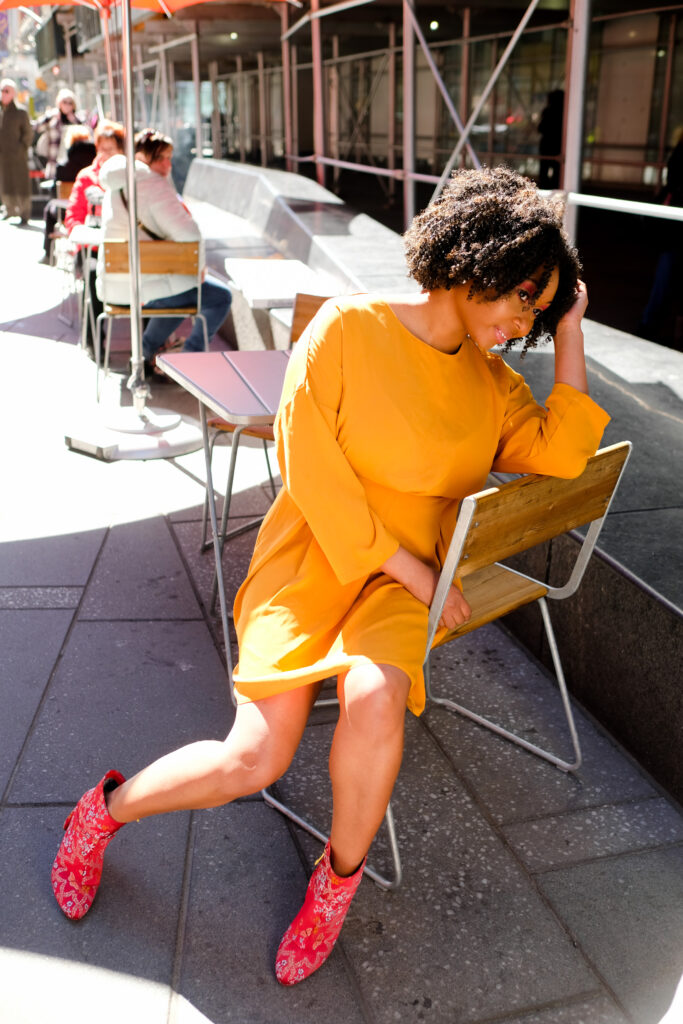 red boots-mustard dress-curlytexture- o40 years old-topshop dress-redmakeup