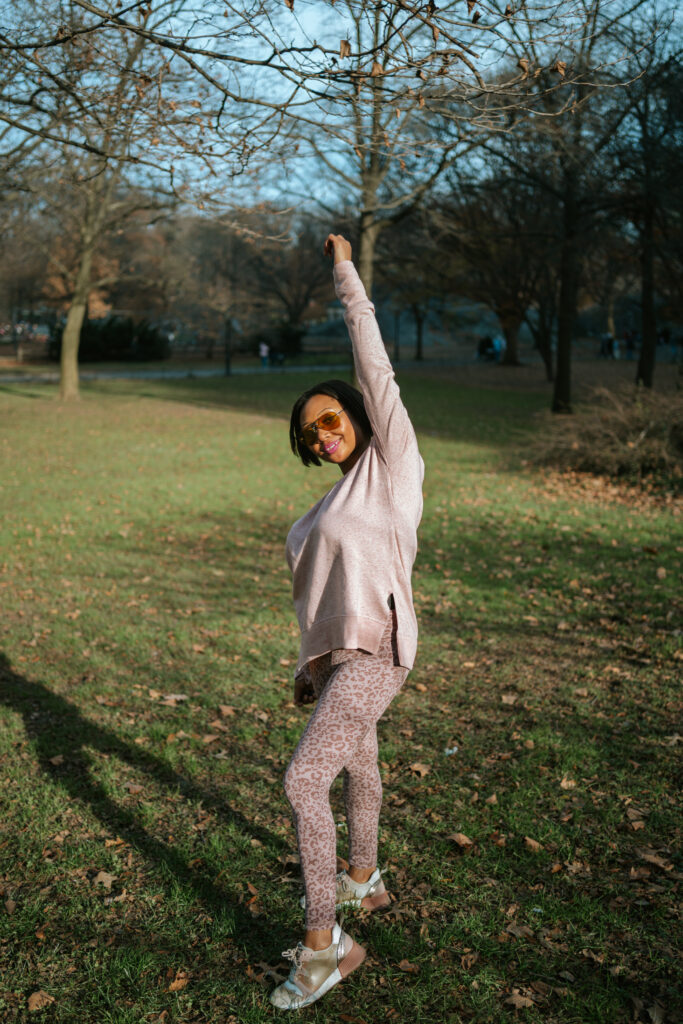 stretching, black women work out, central park, walking for workout, workout outfit, althea , gap, free workout